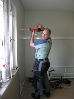 Robban heter jag som driver och tillverkar samt monterar allt för compact-living.com