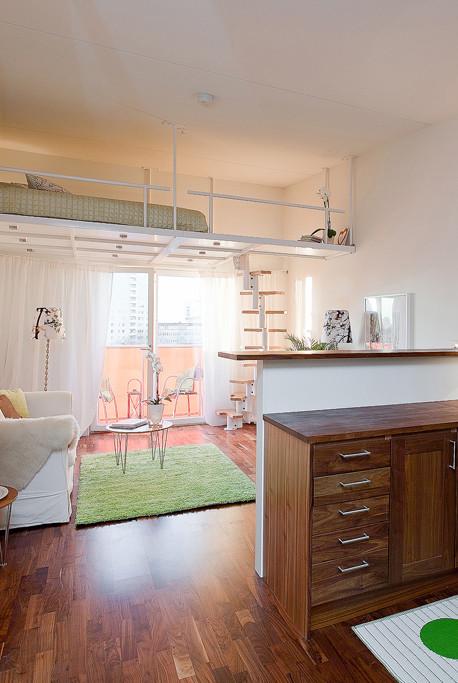 sovloft och stege underverket i en lägenhet i Högdalen